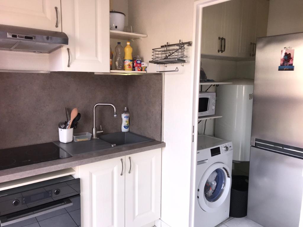 Deluxe sale apartment Montereau fault yonne 108000€ - Picture 5