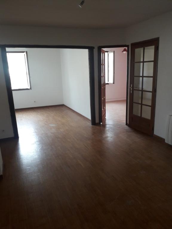 Rental apartment Montereau fault yonne 650€ CC - Picture 1