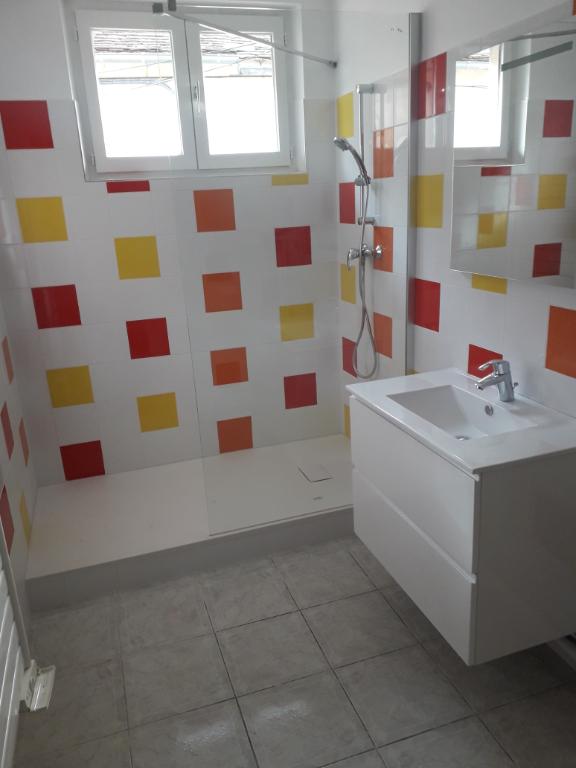 Rental apartment Montereau fault yonne 650€ CC - Picture 5