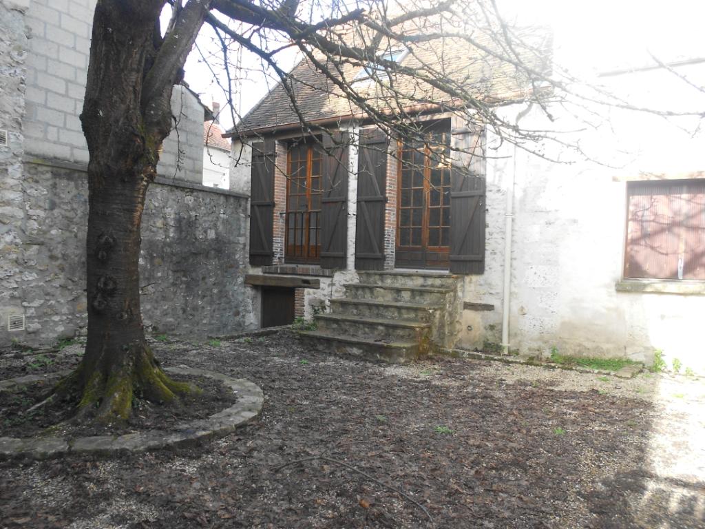 Location appartement Provins 555€ CC - Photo 1