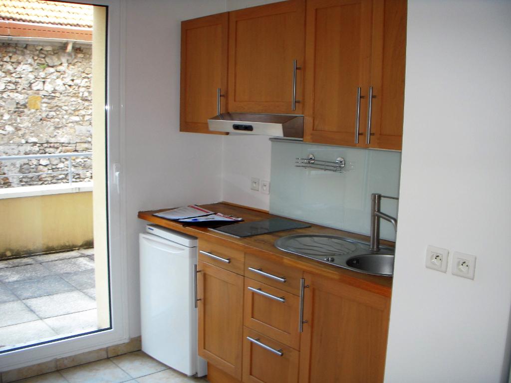 Rental apartment Montereau fault yonne 634€ CC - Picture 2