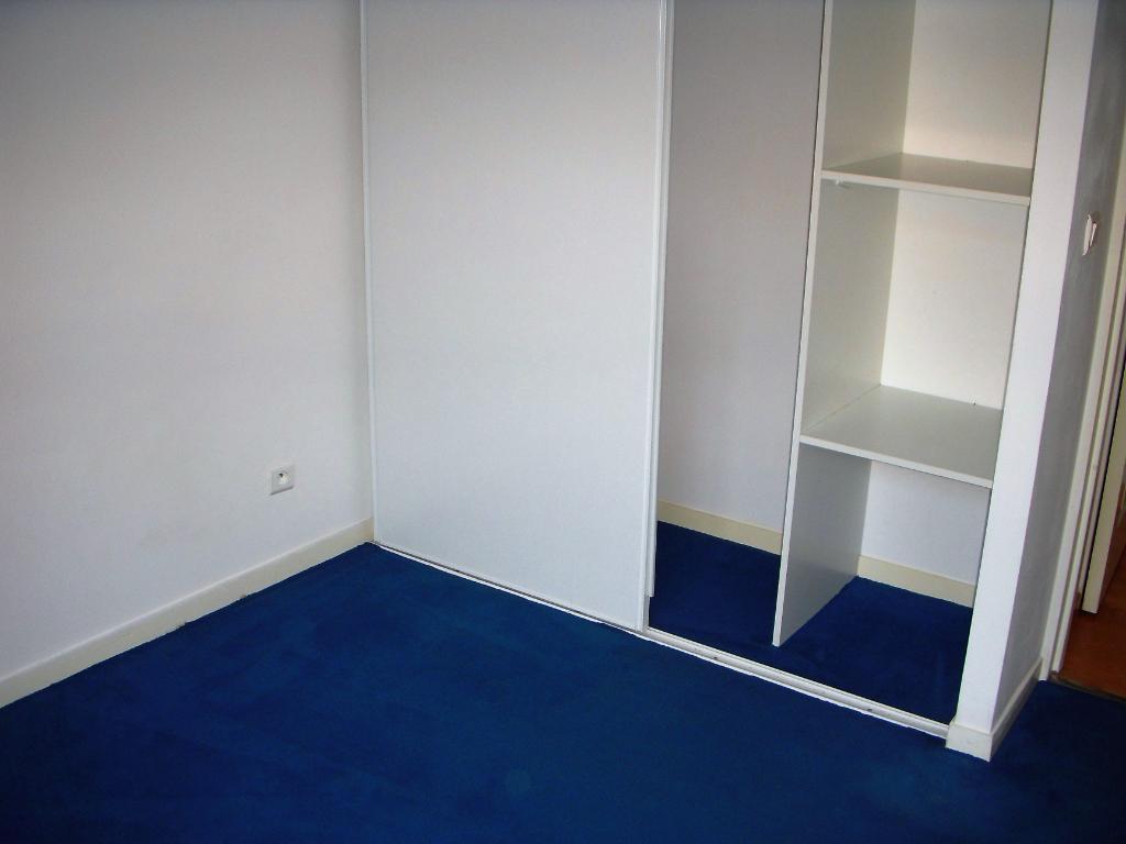 Rental apartment Montereau fault yonne 634€ CC - Picture 5
