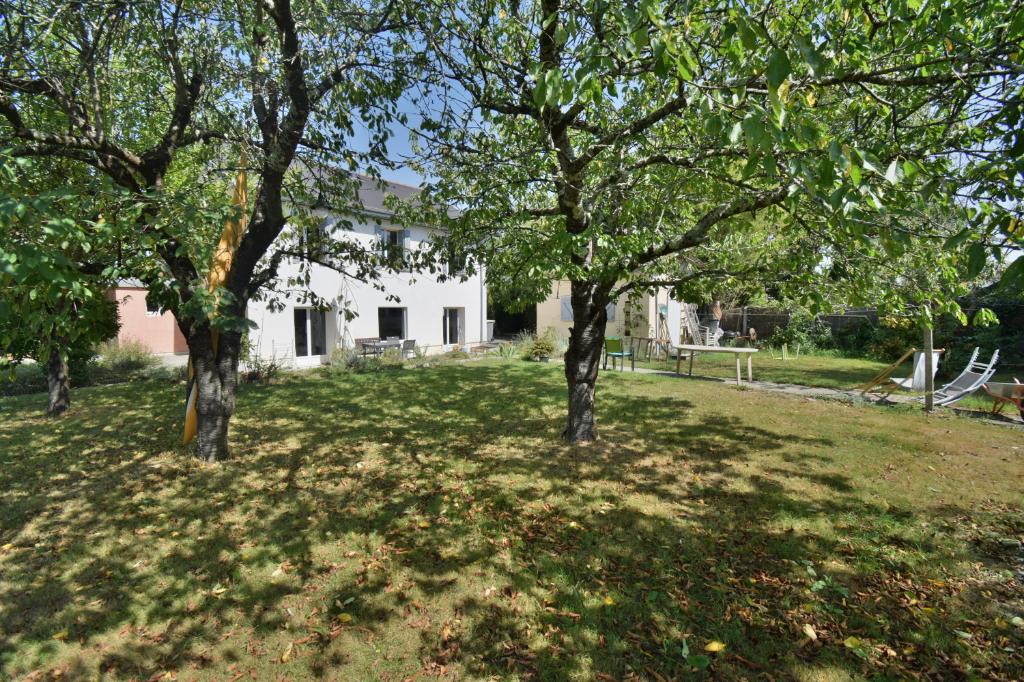 Maison Mazeres-Lezons 5 pièce(s) 160 m2