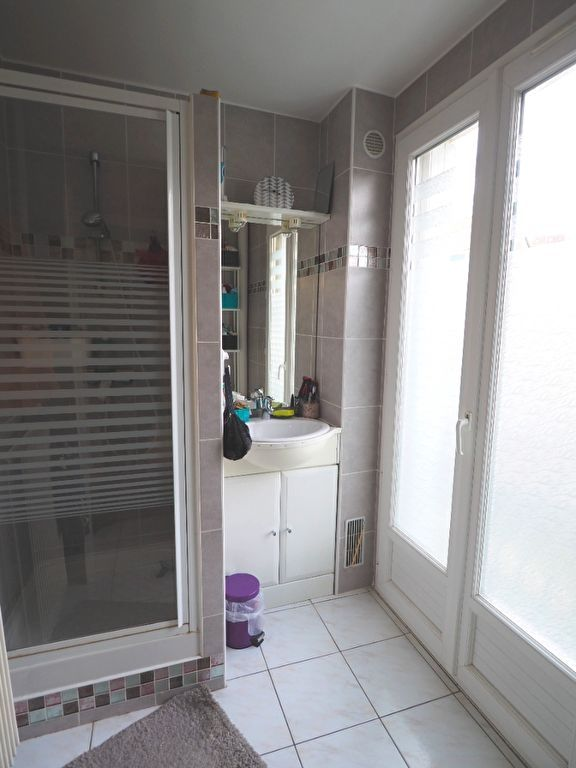 Revenda apartamento Andresy 129470€ - Fotografia 6