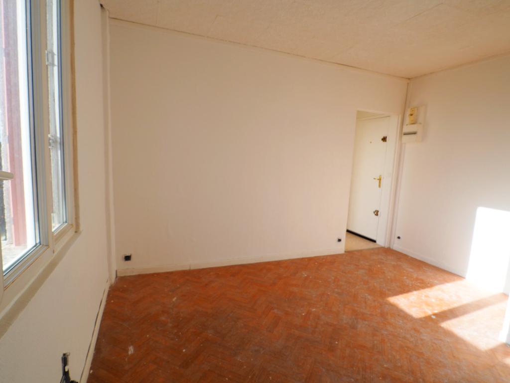 Sale apartment Chanteloup les vignes 110000€ - Picture 2