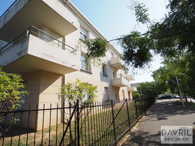 Revenda apartamento Chanteloup les vignes 139500€ - Fotografia 9