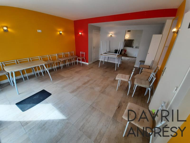 Rental office Triel sur seine 1 040€ HC - Picture 2