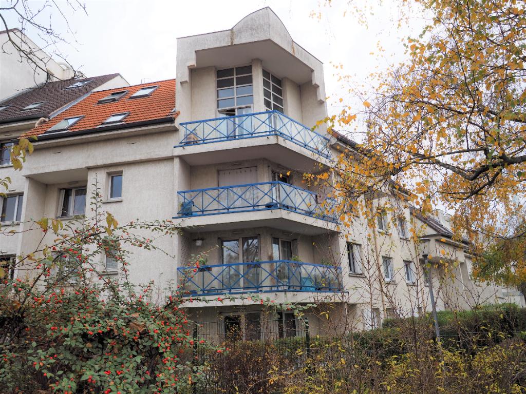 Sale apartment Ermont 215000€ - Picture 1