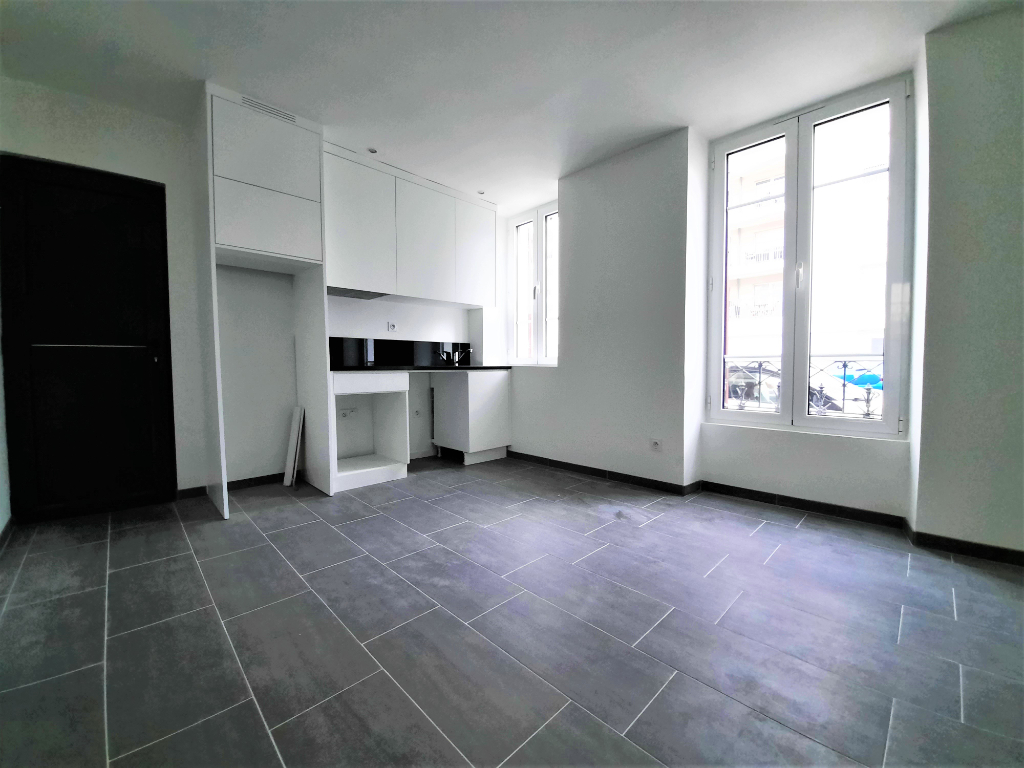 Rental apartment Poissy 780€ CC - Picture 1