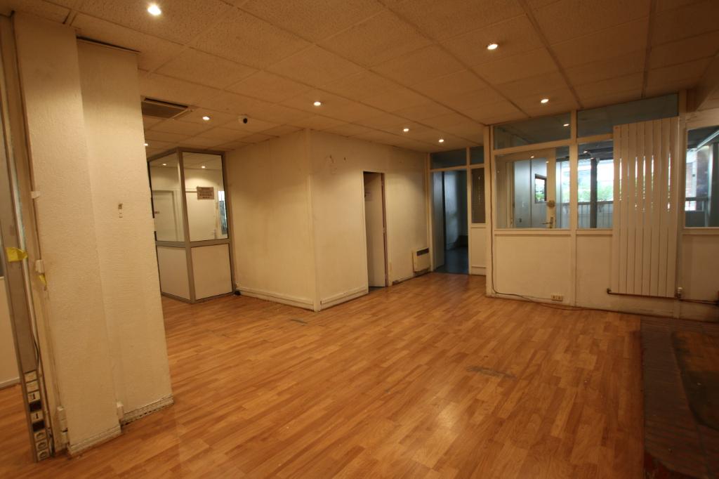 Vente Local de 530 m² - PARIS 75011   ETUDE VALRI - AR photo3