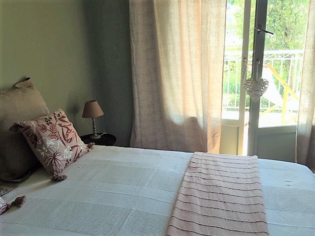 Rental apartment Saint cyr sur mer 930€ CC - Picture 4