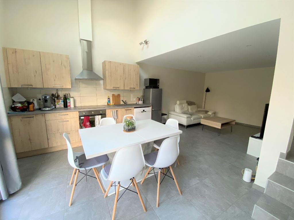 COMBOVIN - Charmante maison de rue rénovée