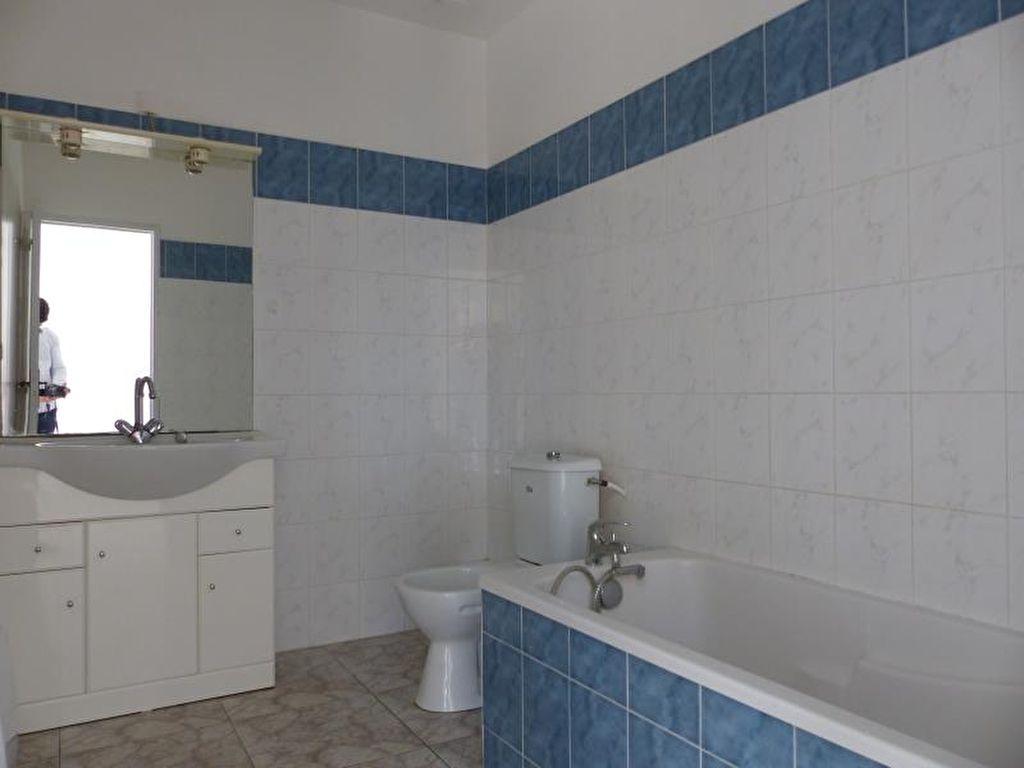 Sale apartment Valras plage 220000€ - Picture 5