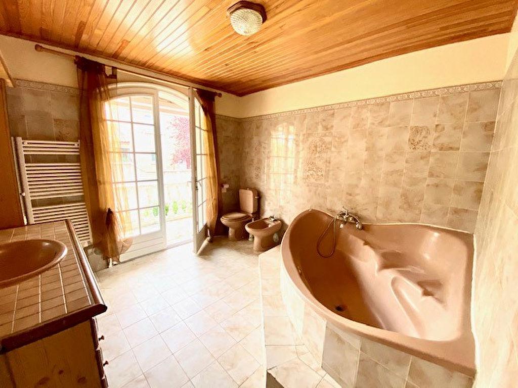 Sale house / villa Colombiers 305000€ - Picture 12