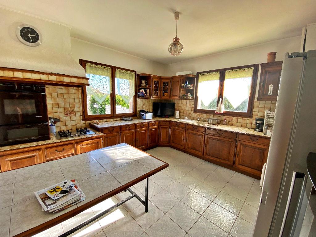 Sale house / villa Lespignan 372750€ - Picture 4