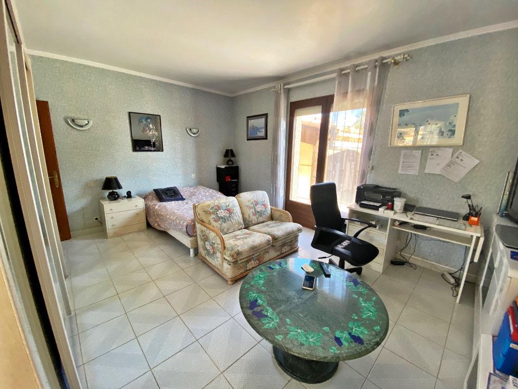 Sale house / villa Lespignan 372750€ - Picture 6