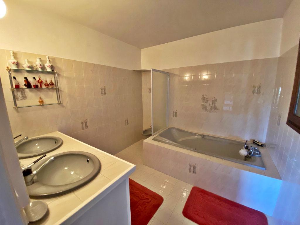 Sale house / villa Lespignan 372750€ - Picture 8
