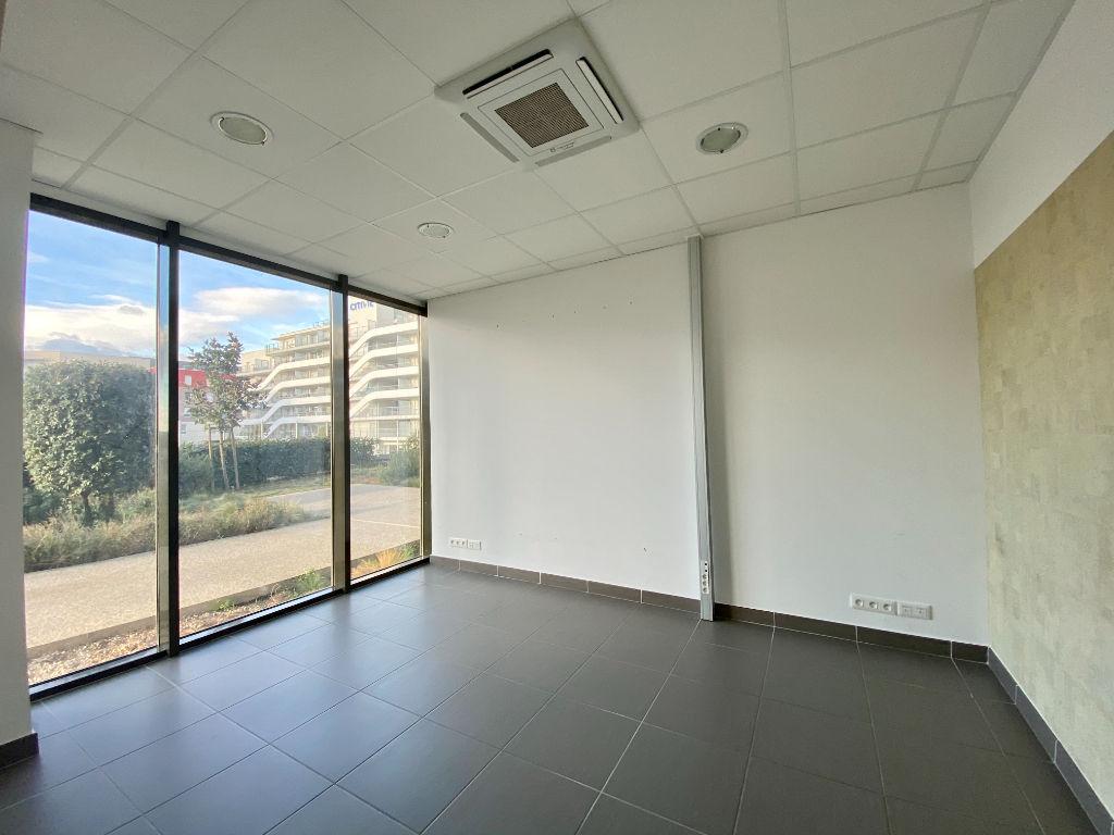 Rental empty room/storage Beziers 1900€ HC - Picture 10
