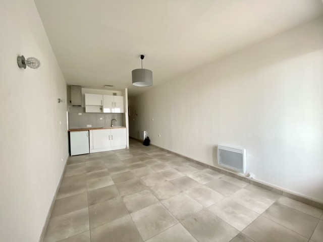 Rental apartment Beziers 420€ CC - Picture 3