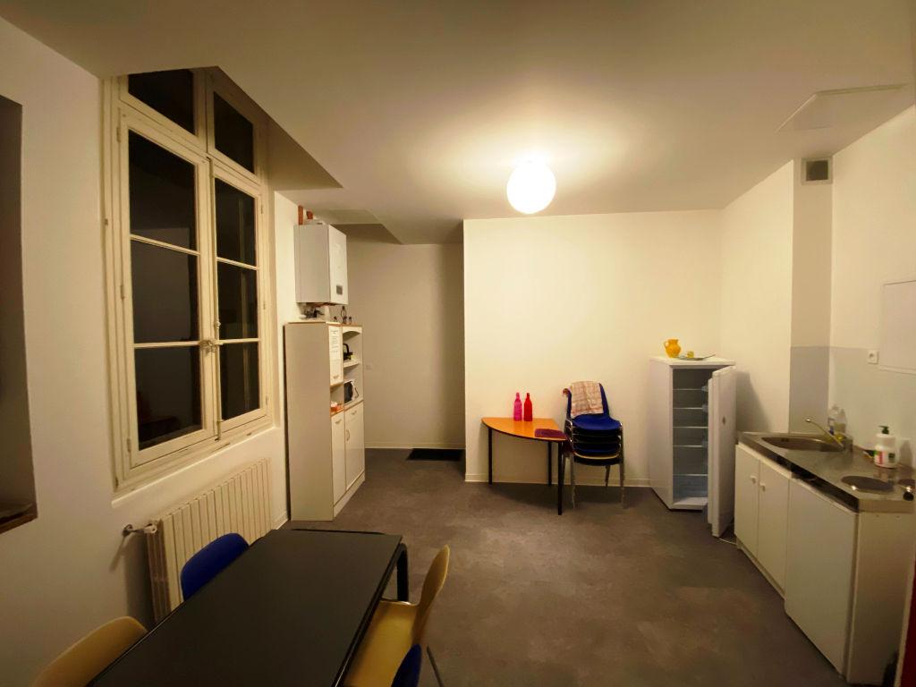 Sale empty room/storage Beziers 220000€ - Picture 2