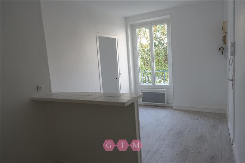 Rental apartment Parmain 629€ CC - Picture 1