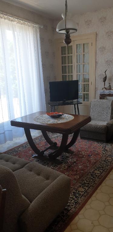 Sale house / villa Gencay 174900€ - Picture 4