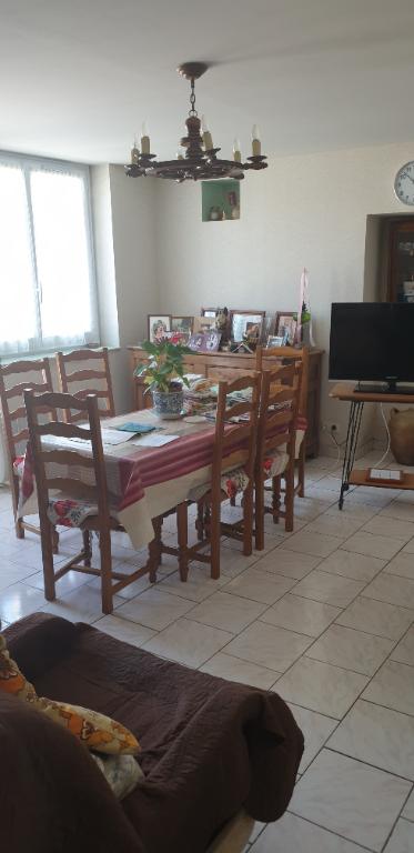 Sale house / villa Gencay 174900€ - Picture 5