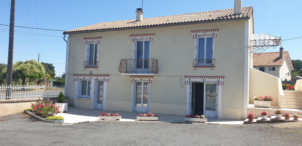 Sale house / villa Gencay 174900€ - Picture 6