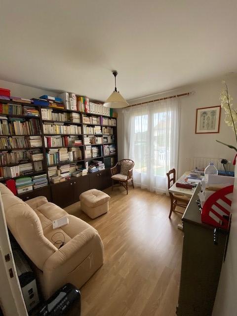 Sale house / villa Iteuil 176550€ - Picture 3