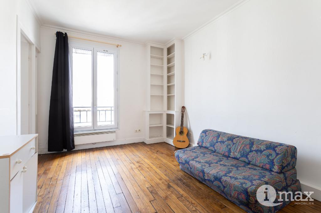 Vente appartement Paris 18ème 382000€ - Photo 2