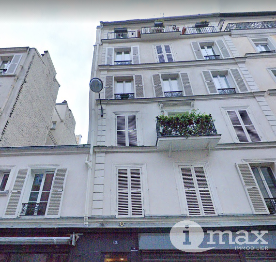PARIS 18ème - Marx Dormoy - STUDIO AU DERNIER ÉTAGE