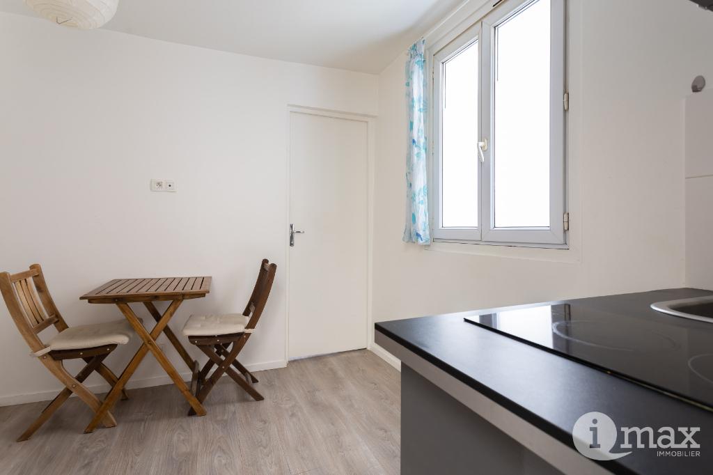 Vente appartement Paris 18ème 250000€ - Photo 2