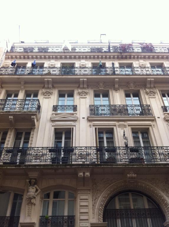 A louer PARIS IX 5 pièces - rue de Provence