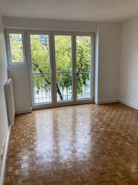 Location appartement Paris 15ème 1 800€ CC - Photo 2