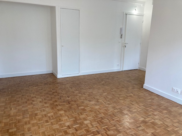 Location appartement Paris 15ème 1 800€ CC - Photo 4