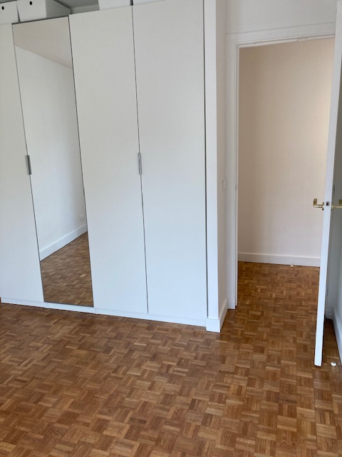 Location appartement Paris 15ème 1 800€ CC - Photo 10