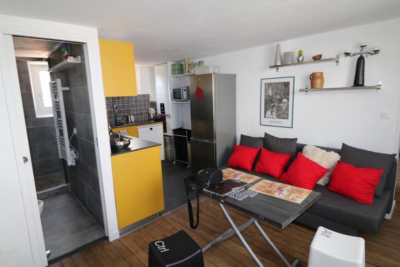 Location    VERSAILLES - Centre Ville/Place du Marché/Rue Mal
