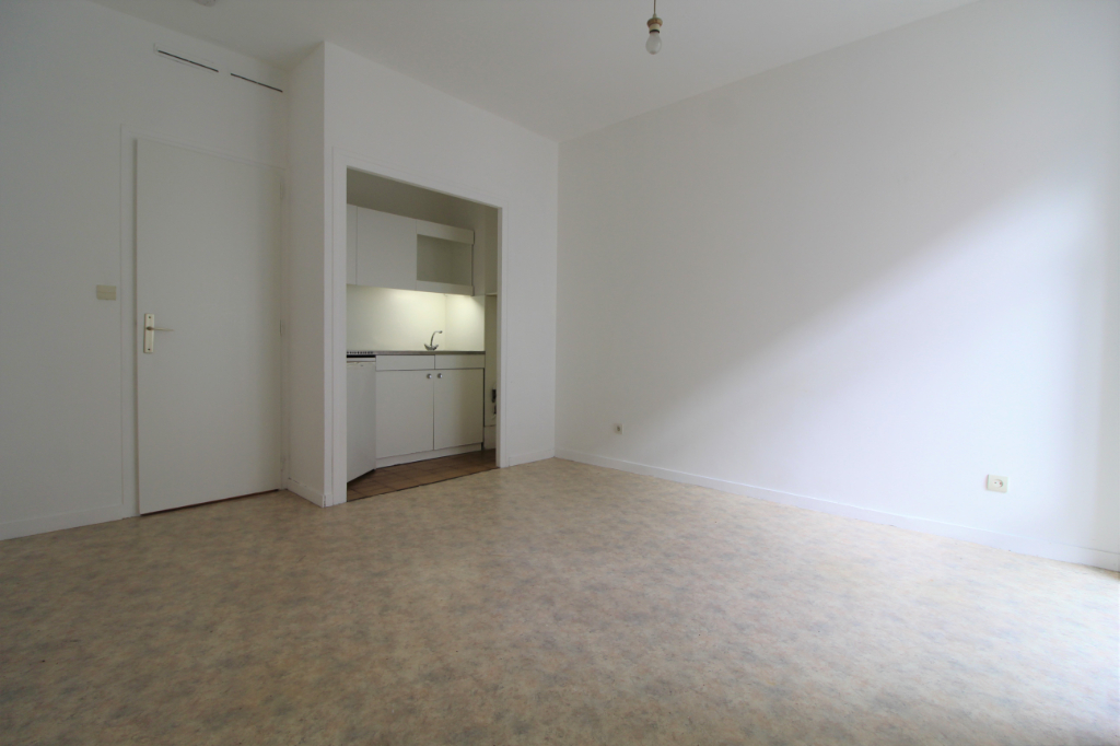 Rental apartment Voiron 325€ CC - Picture 2
