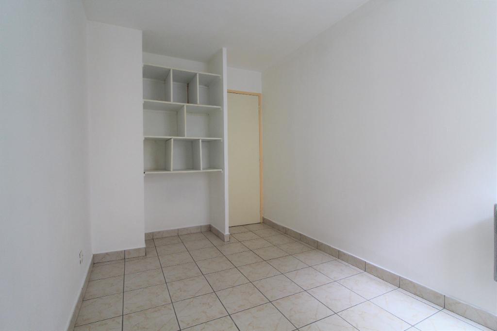 Rental apartment Voiron 374€ CC - Picture 4
