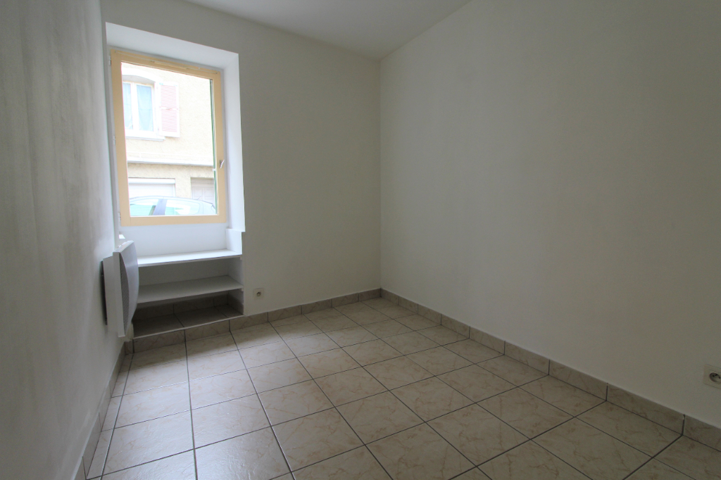 Rental apartment Voiron 374€ CC - Picture 5
