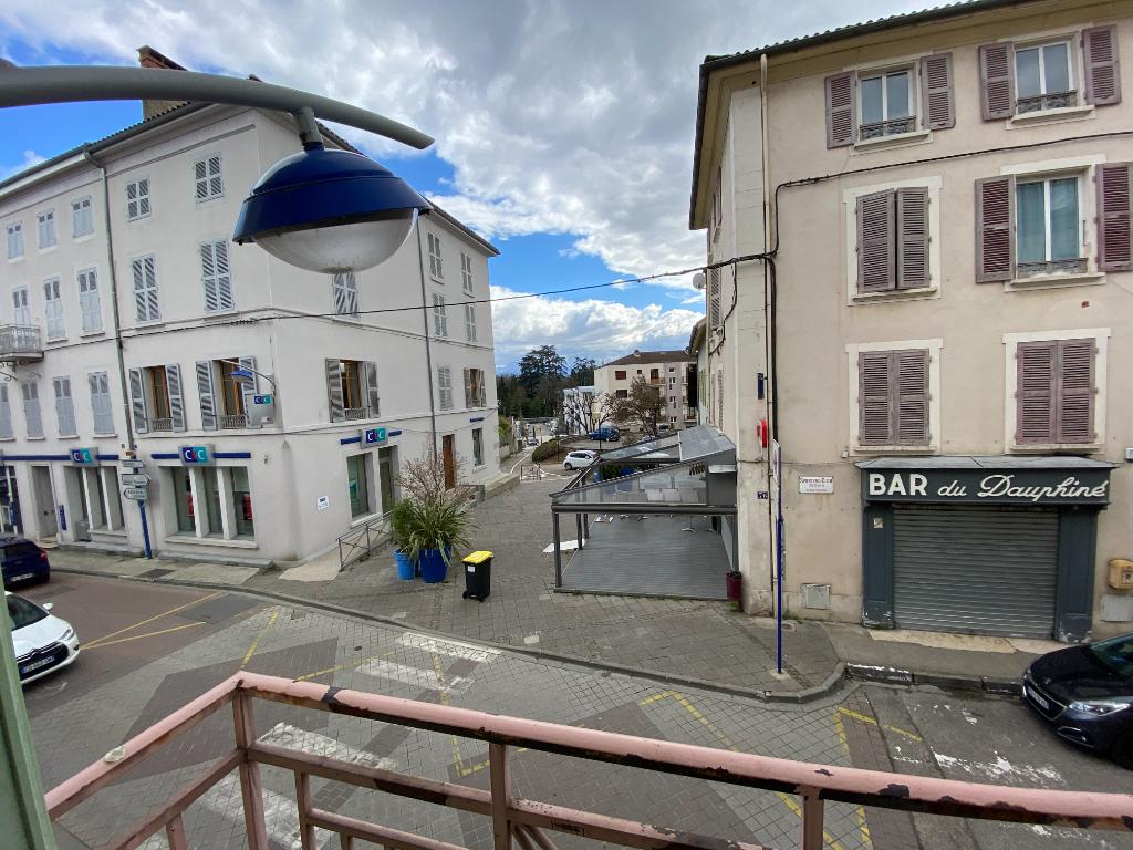 Rental apartment Rives 691€ CC - Picture 5