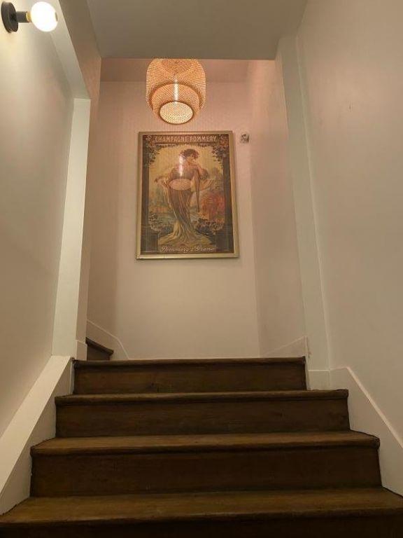 Sale apartment Reims 212000€ - Picture 2
