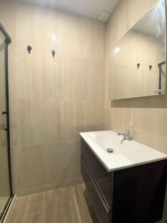 Sale apartment Reims 212000€ - Picture 5