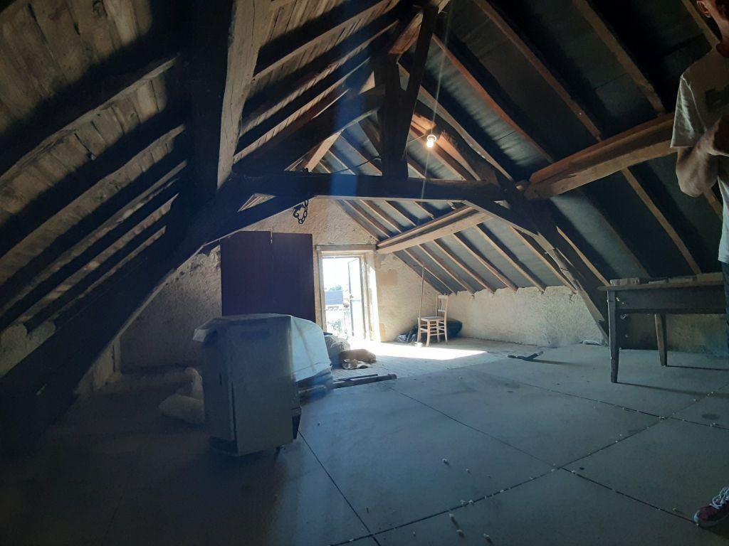 Sale house / villa Theneuille 72360€ - Picture 5