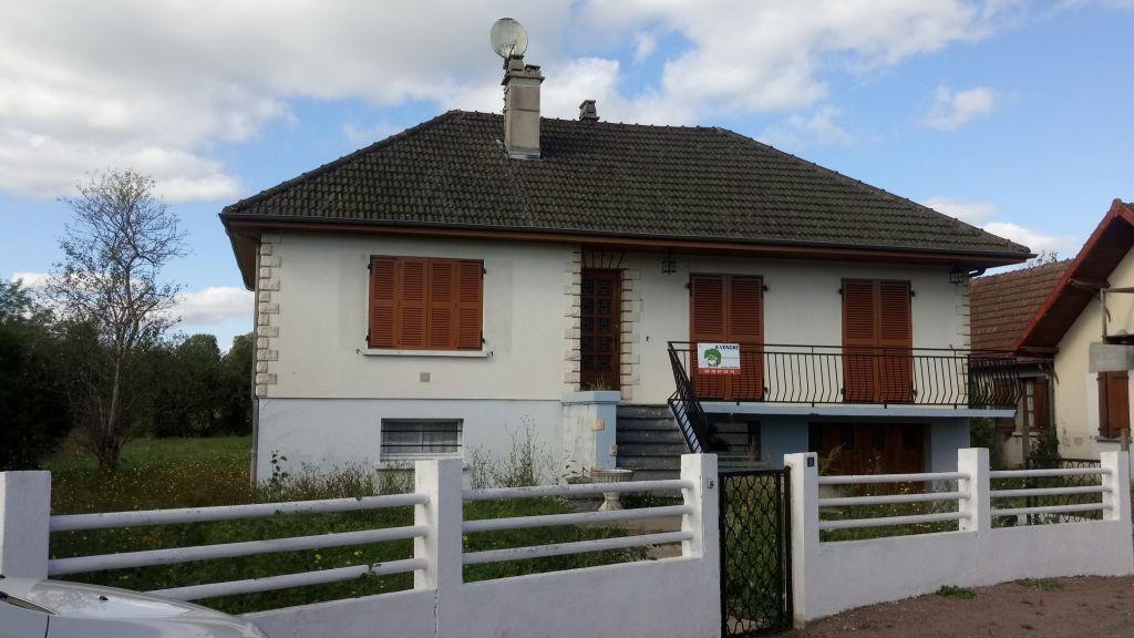 Sale house / villa Le veurdre 64800€ - Picture 2