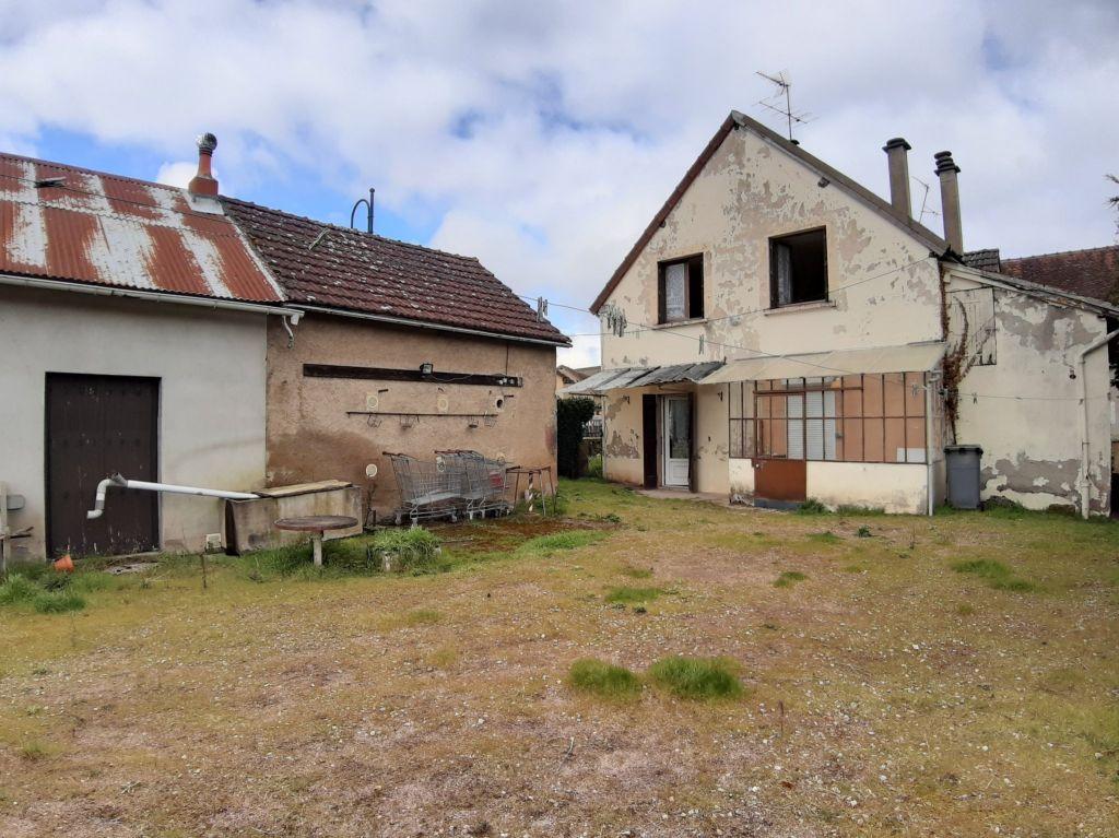 Vente maison / villa Ygrande 45360€ - Photo 4