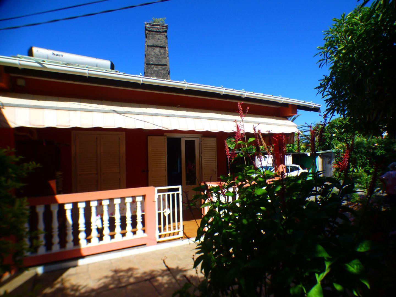 Vente maison / villa Les avirons 170000€ - Photo 2