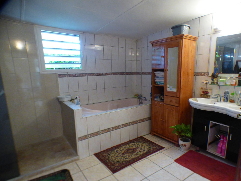 Sale house / villa Les avirons 170000€ - Picture 5