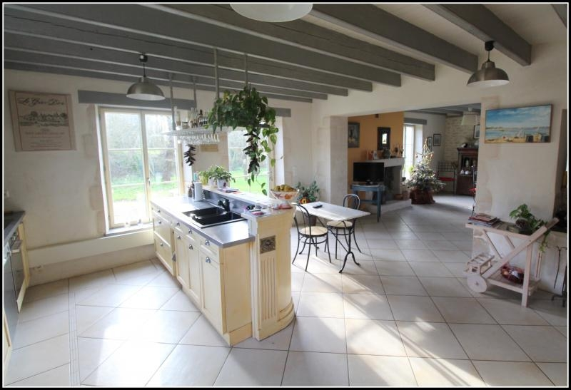 Sale house / villa Maille 400000€ - Picture 4