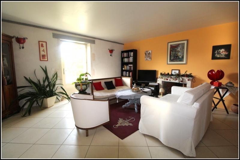 Sale house / villa Maille 400000€ - Picture 6